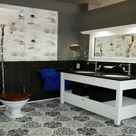 Engelse badkamer realiseren? Ceramique Tegels & Sanitair