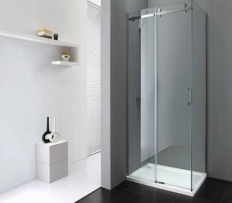 Badkamer met douche bij de badkamer winkel van Twente