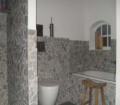 Badkamer realisatie bad en wc