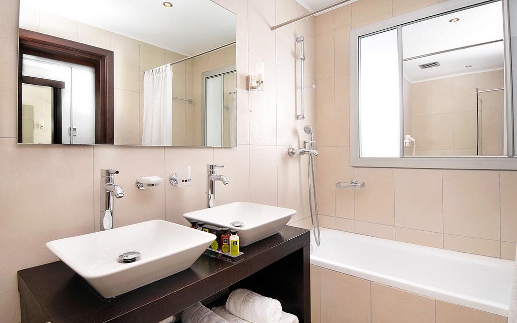 Tegels Badkamer Enschede : Badkamers enschede van ontwerp tot realisatie