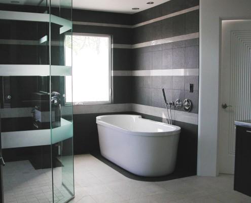 Badkamers Haaksbergen met bad en douche