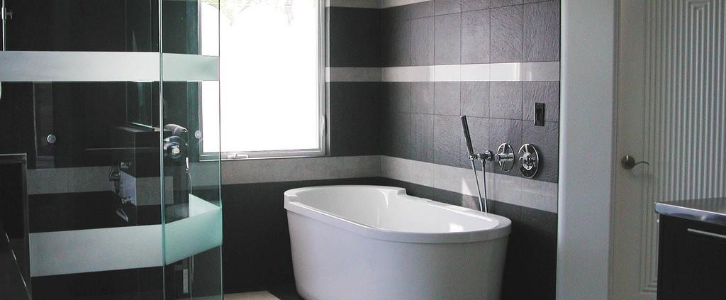 Badkamers Lochem met bad en douche