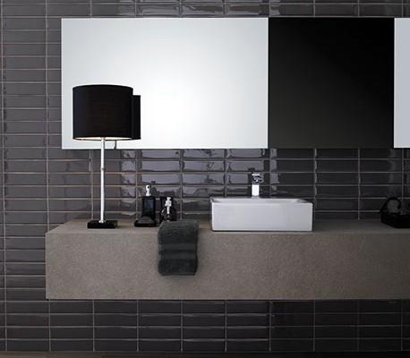 Badkamertegels grijs geven uw badkamer een schitterende uitstraling. Kom langs in onze badkamertegels winkel in Haaksbergen